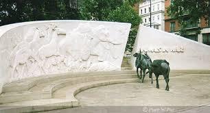 animals in war memorial 2
