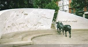 animals in war memorial 2
