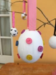 egg button egg